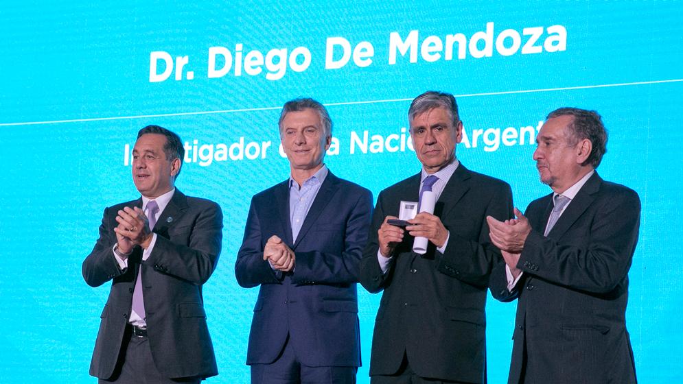 Diego de Mendoza fue distinguido como Investigador de la Nación Argentina
